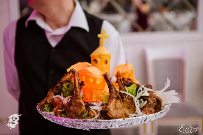 'Старый Тбилиси' - фирменное блюдо ресторана 'Тинатин'