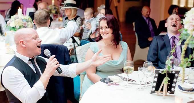 Свадебные ведущие в жанре стендап - за и против