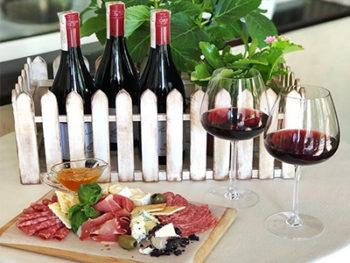 """Фестиваль вина Pinot Noir в ресторане """"Счастье""""!"""