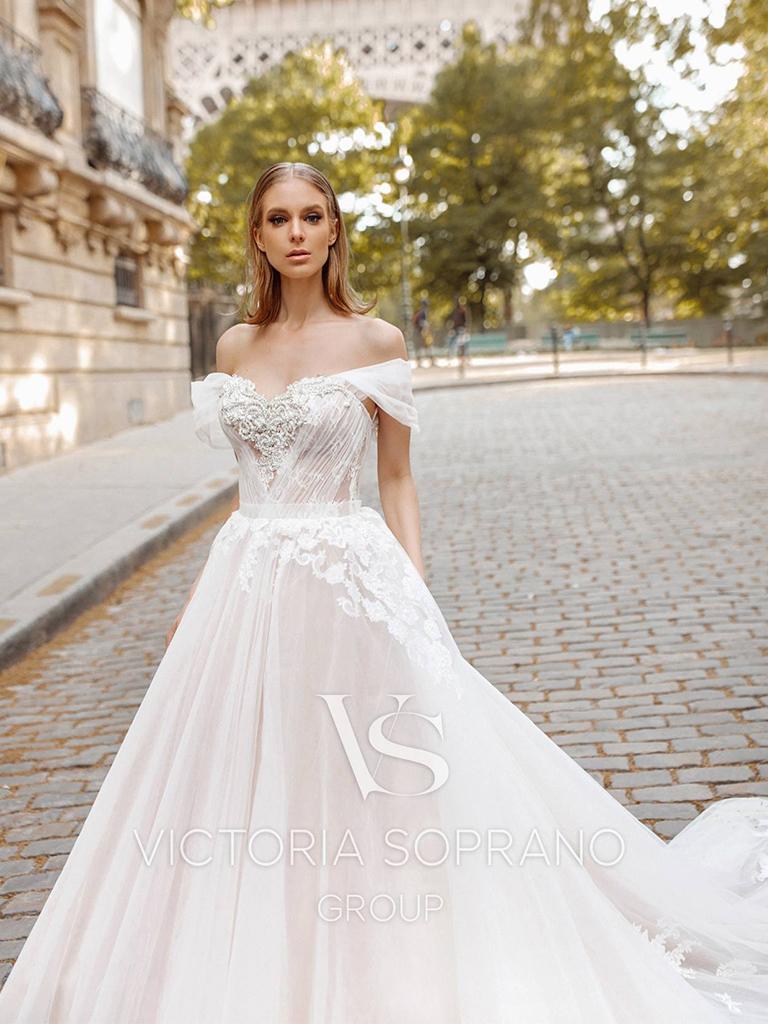 Свадебное платье Manolo от Victoria Soprano Group
