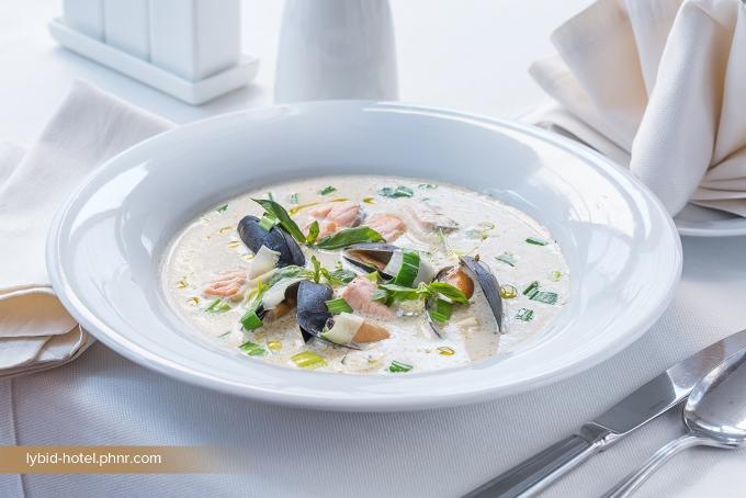 Суп с мидиями от Премьер Отеля Лыбидь