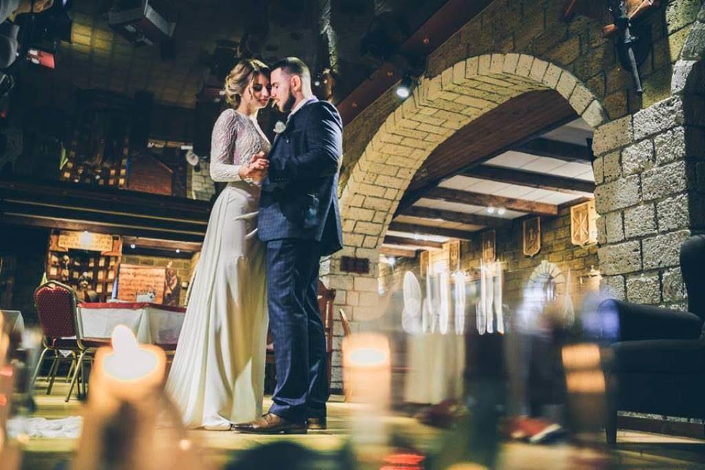Зимняя свадьба в замке средневековья