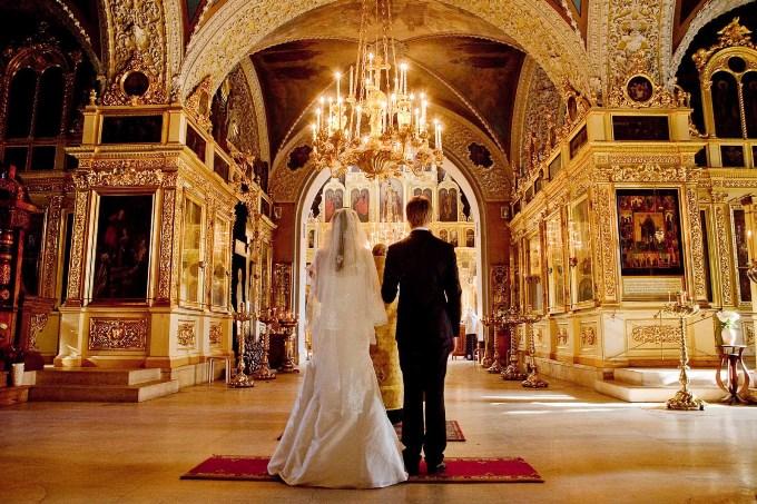 как выбрать дату венчания
