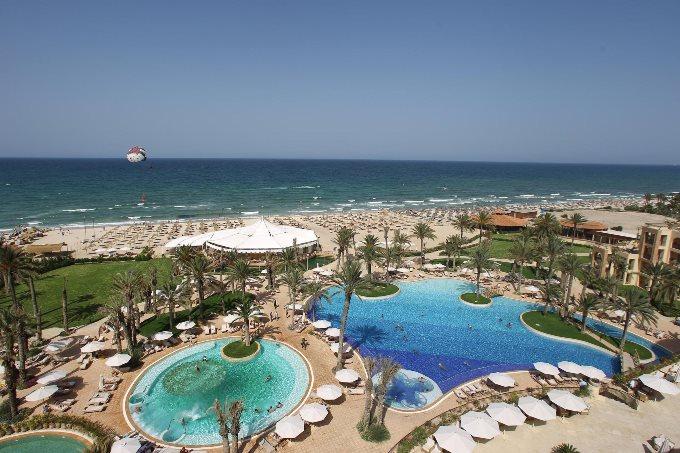 Путешествие в Тунис