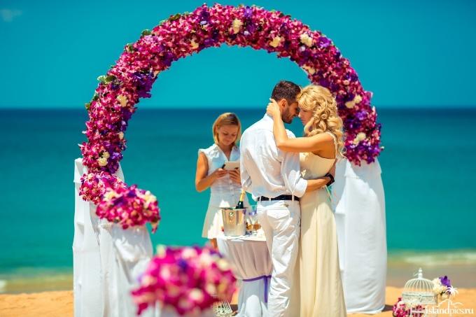 Обновление своих свадебных обещаний