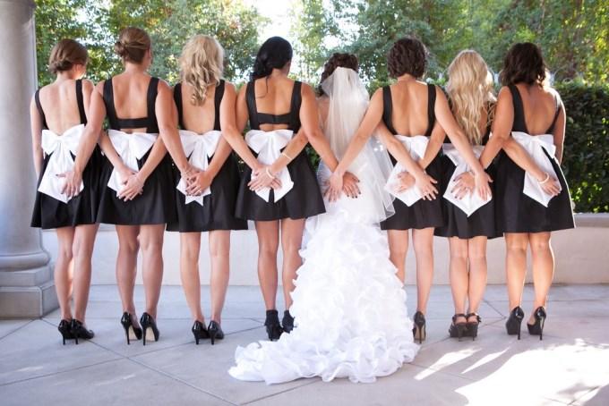 Наряды для подружек невесты и друзей жениха