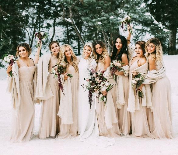 Свадебное платья зимой