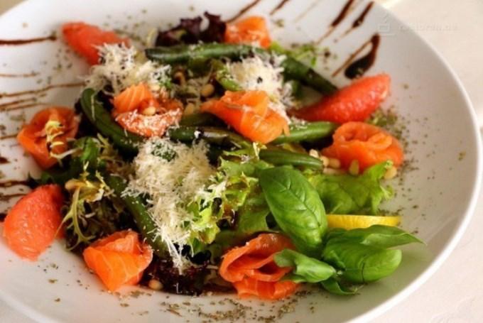 Фреш- салат с лососем