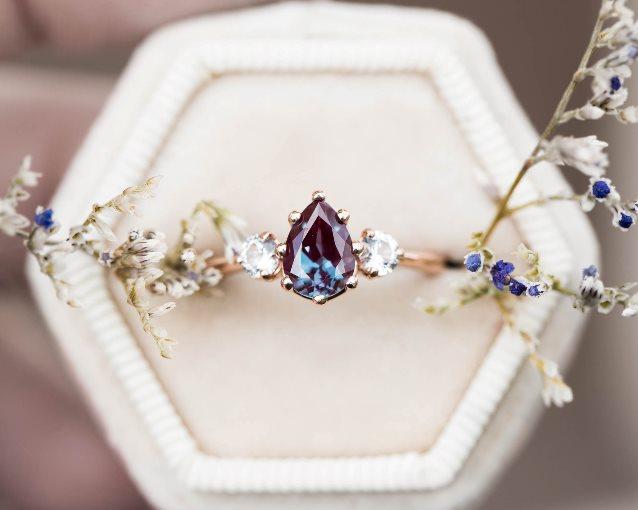 Обручальные кольца необычной формы