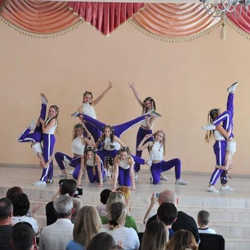 """Концерт с танцевальной студией """"CНUDIKI"""""""