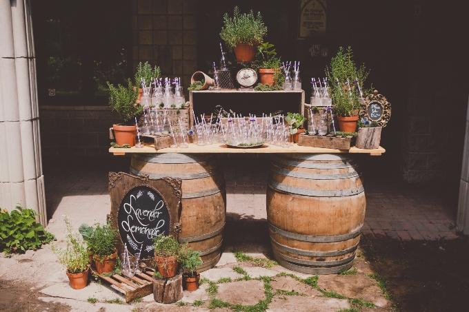 Старинные вещи в декоре свадьбы