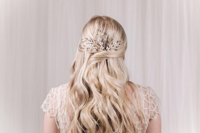 Весільні аксессуари для волосся