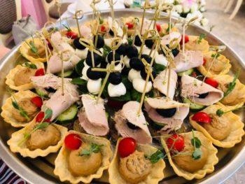 """Трапеза в """"Боровике"""" – это всегда вкусно, красиво и с настроением!"""
