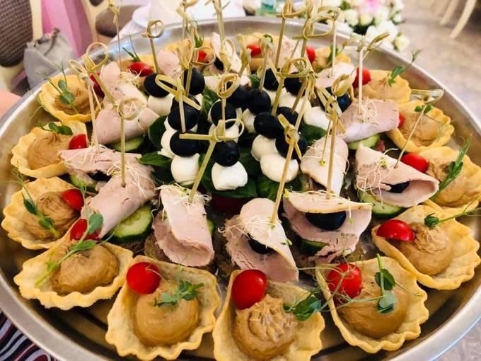 """Трапеза в """"Боровике"""" - это всегда вкусно, красиво и с настроением!"""