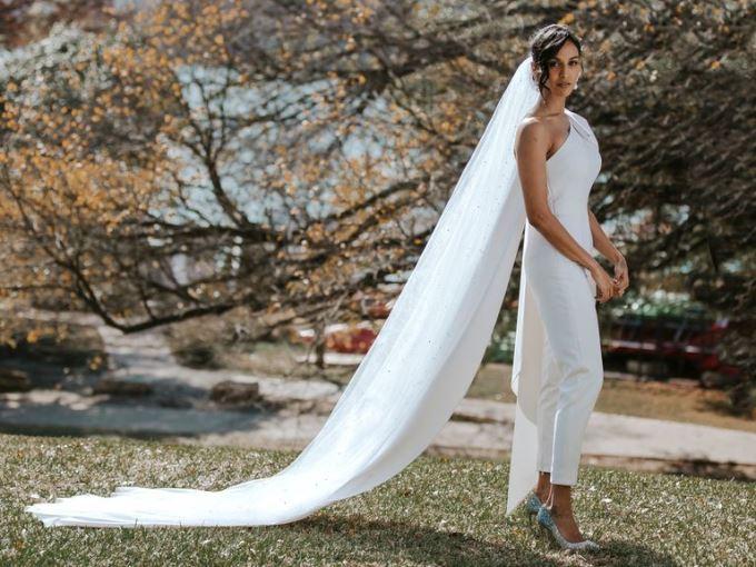 Весілля без сукні: топ-10 костюмів для наймодніших наречених