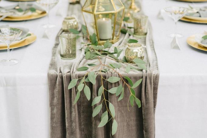 Бархат на свадьбе - новый тренд