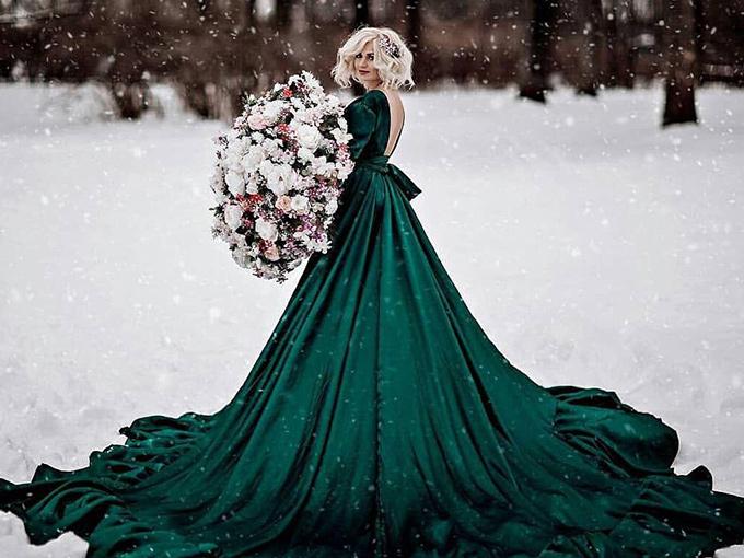 Бархатное платье невесты
