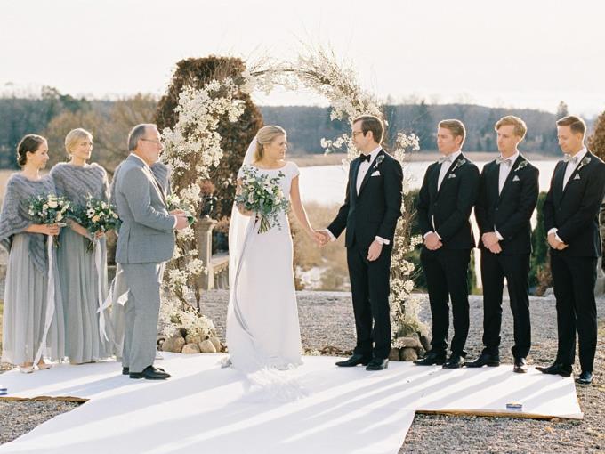 Арка для зимней свадьбы