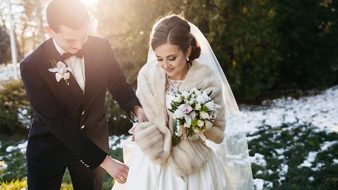Топ-5 причесок для зимней свадьбы