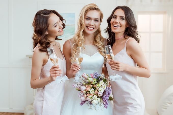 Свадебные платья: просто и элегантно