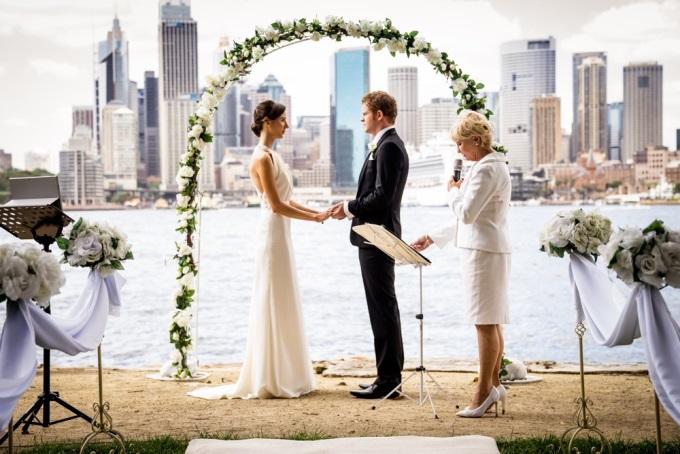 Як вибрати весільного реєстратора