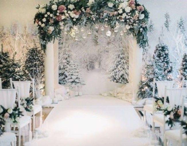 Зимовий весільний декор