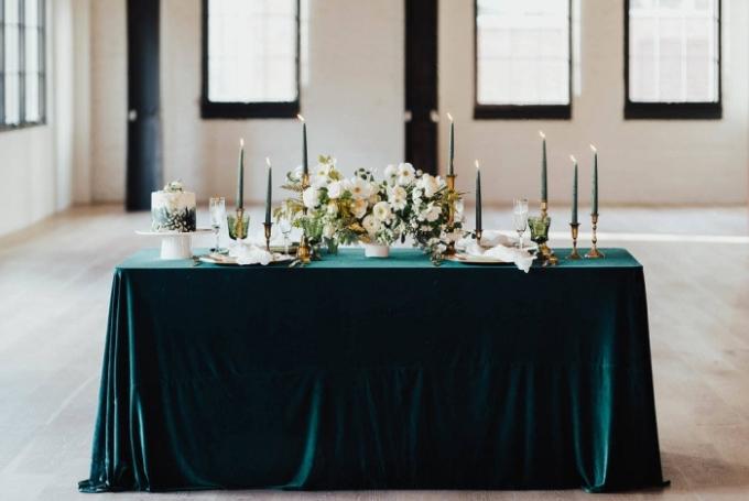 Зимовий декор весілля