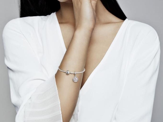 Как выбрать серебряное украшение Пандора?