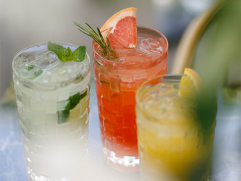 Сезонные напитки и коктейли в DOM №10