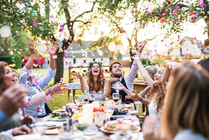 Весілля в форматі вечірки