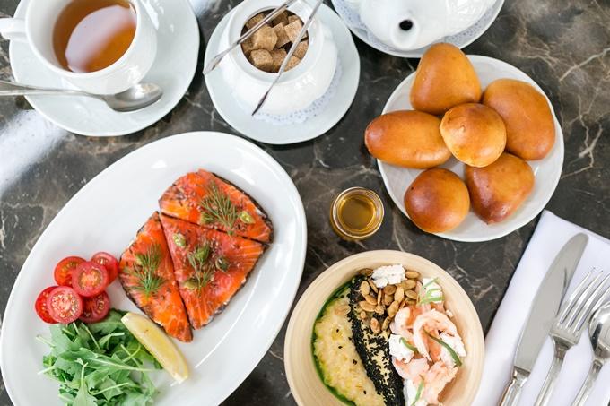 Сімейні сніданки вихідного дня в ресторані DOM №10