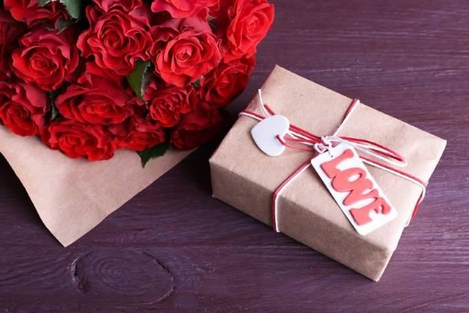 День влюбленных: что подарить жене